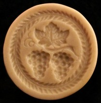 #1842 Heidenheim Grapes Mold - $21.45