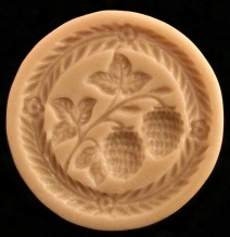 #1844 Heidenheim Berries Mold - $21.45